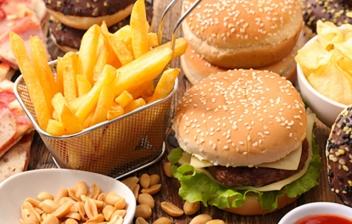 hamburguesas, patatas fritas