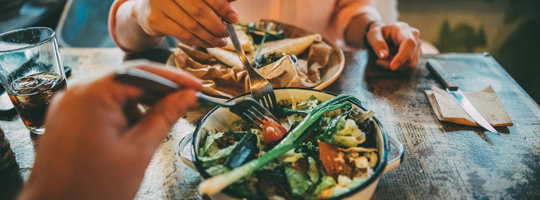 Describir dos formas en que una nutrición adecuada puede mejorar la fertilidad.