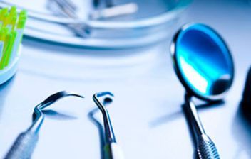 diferentes herramientas dentales
