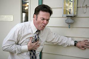 tuberculosis pulmonar,hombre tosiendo