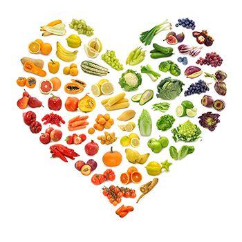 corazón con frutas y verduras