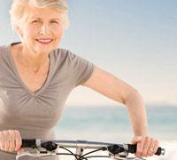 Salud Mayores. Cuidados al final de la vida de los mayores. Disfrutando del aire libre con salud