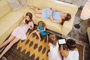 Salud Niño. Monográficos infantiles. ¿Cómo proteger a los jóvenes y adolescentes de las adicciones a las nuevas tecnologías?