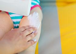 Bienestar-bebés al sol-protector solar