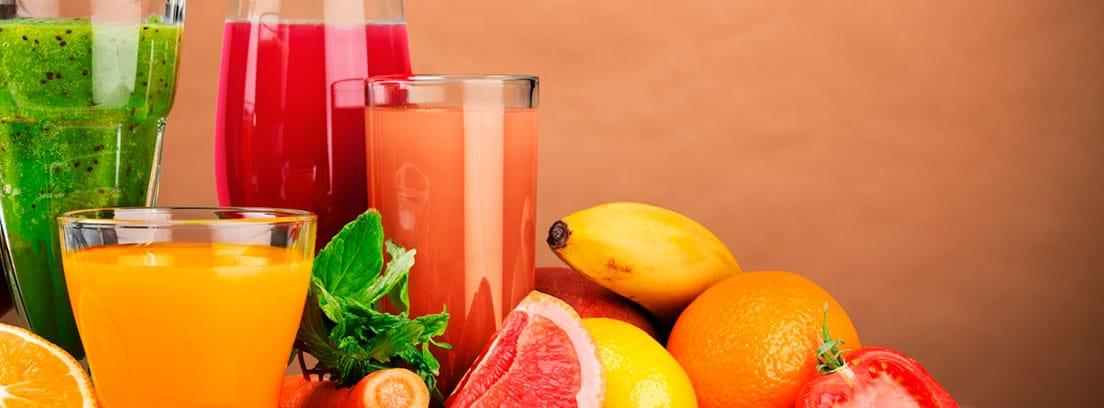 5 Consejos para no ganar kilos en verano: diferentes zumos de frutas naturales