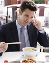 Nutrición y Salud. Reportajes. Comer de forma saludable en el trabajo