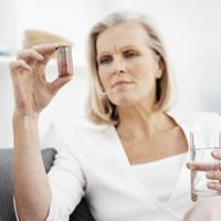 Salud Mayores. Geriatría y gerontología. Farmacología geriátrica. La automedicación