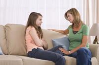 madre-hablando-hija