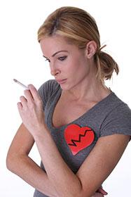 mujer-corazón-tabaco
