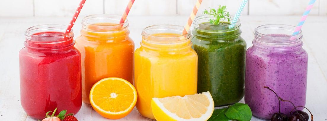 Comer bien y adelgazar en verano: diferentes zumos de frutas naturales
