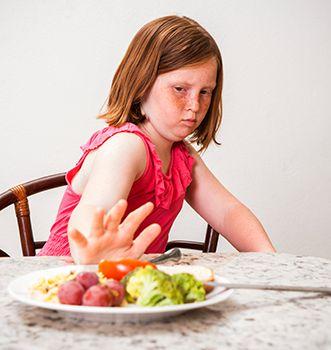 el niño que come mal