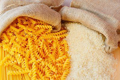 sacos de arroz y pasta