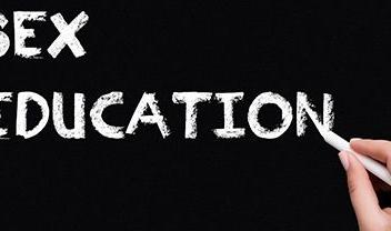 palabra de eduación sexual en inglés sobre fondo negro