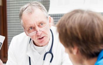 medico-con-paciente