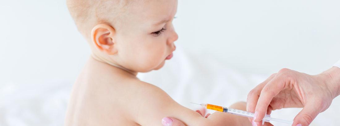 vacunación de un bebé