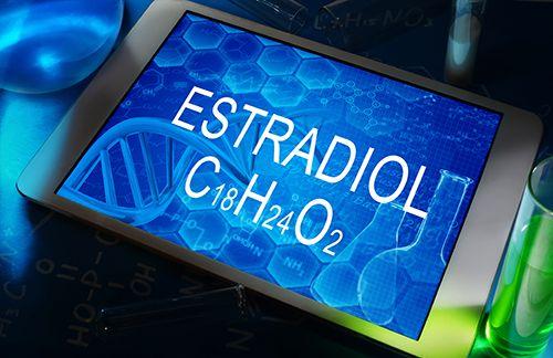 tablet con el fondo azul, con la palabra estradiol y la fórmula