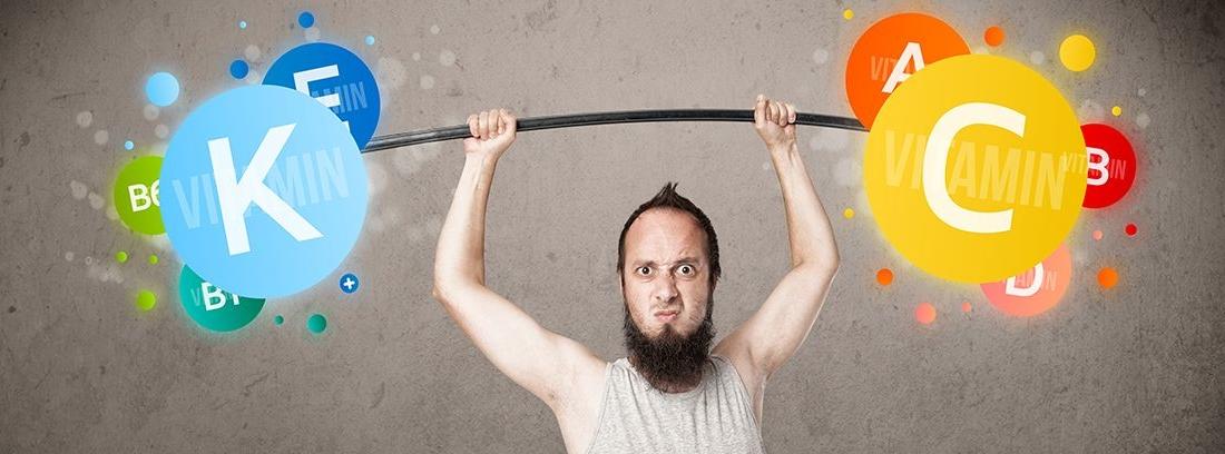 deportista con unas pesas y en cada lado vitaminas y minerales