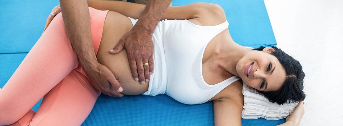 mujer embarazada en rehabilitación