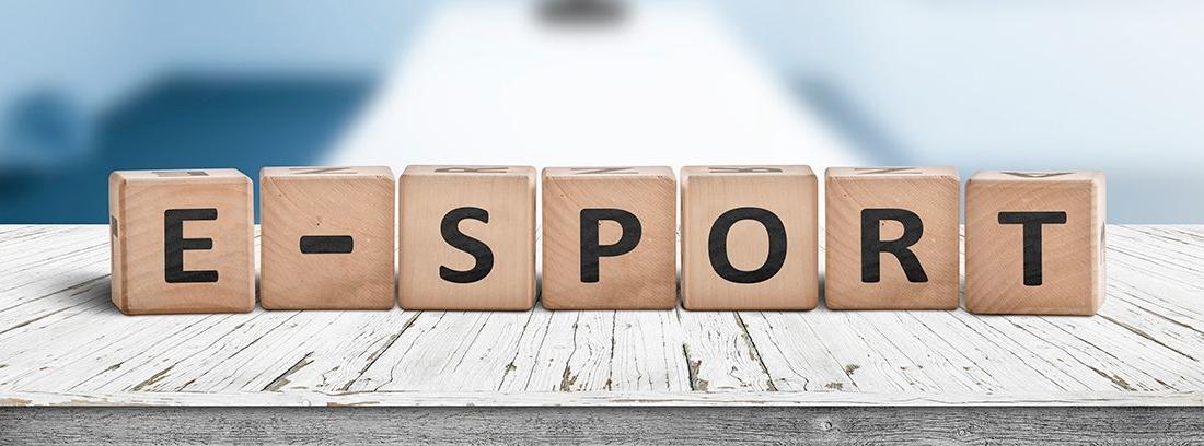cubos de madera con la palabra esport