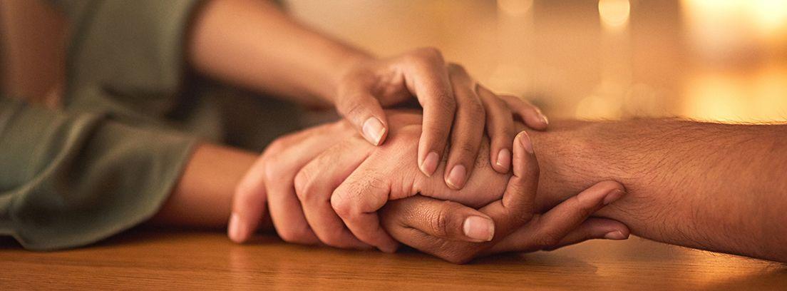 manos sobre manos