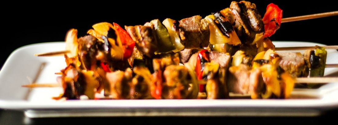 Shashlik , brocheta de carne marinada