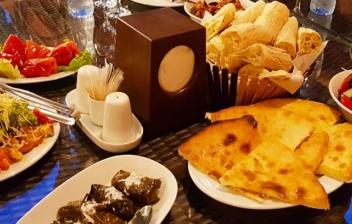 diferentes platos de la gastronomia rusa