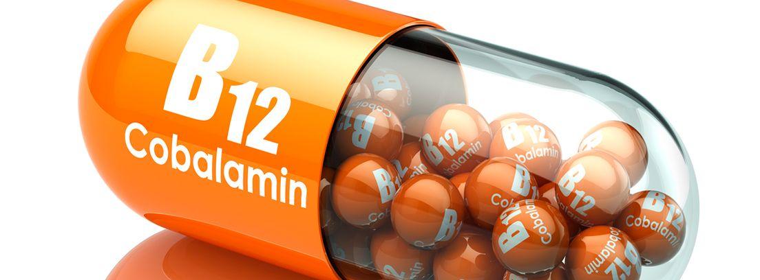 cápsula con grageas de vitamina B12