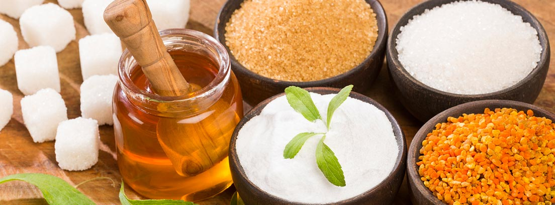 diferentes edulcorantes, miel, polen, estevia