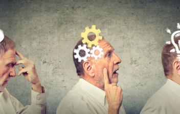 tres figuras de hombre con conceptos de agilidad mental