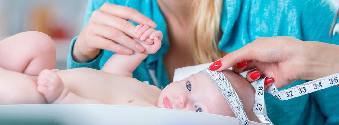 reconocimiento bebé, medidas perímetro cefálico y peso