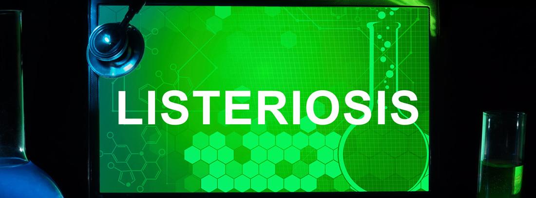 pantalla de ordenador con fondo verde y la palabra listeriosis