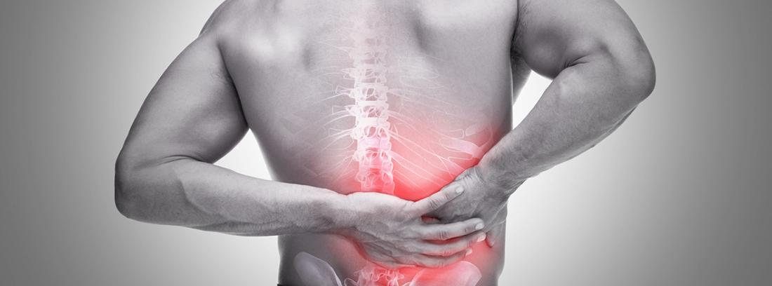 espalda de hombre con dolor costal