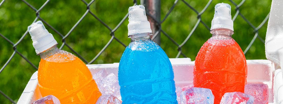 bebidas isotónicas en hielo