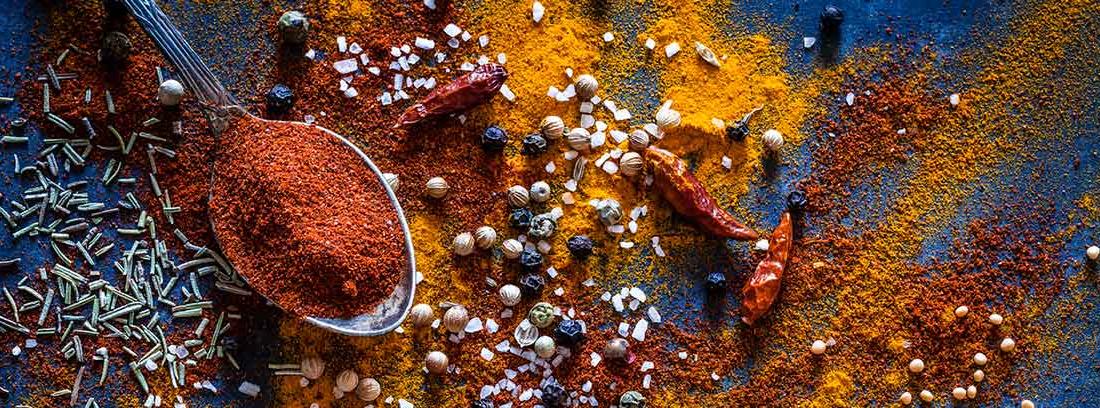 Beneficios y contraindicaciones de comer picante: diferentes especias picantes