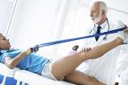 fisioterapeuta y paciente