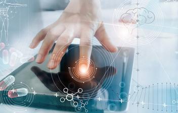Cibercondría o hipercondría digital: búsqued en tablet de conceptos médicos