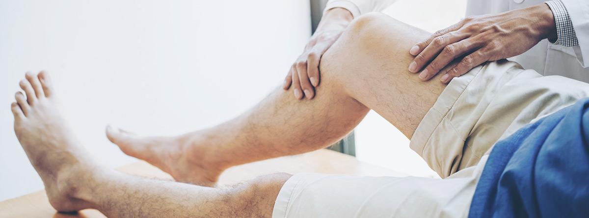 Síndrome del dolor: paciente en rehabilitación de la rodilla